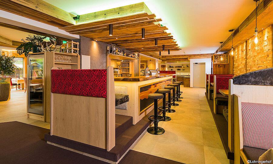Salzburger Land im Frühling oder Herbst – Lohningerhof Maria Alm Restaurant