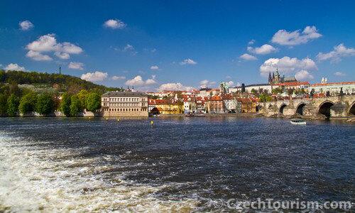 Feiertage in Prag – Prag Stadtansicht Moldau