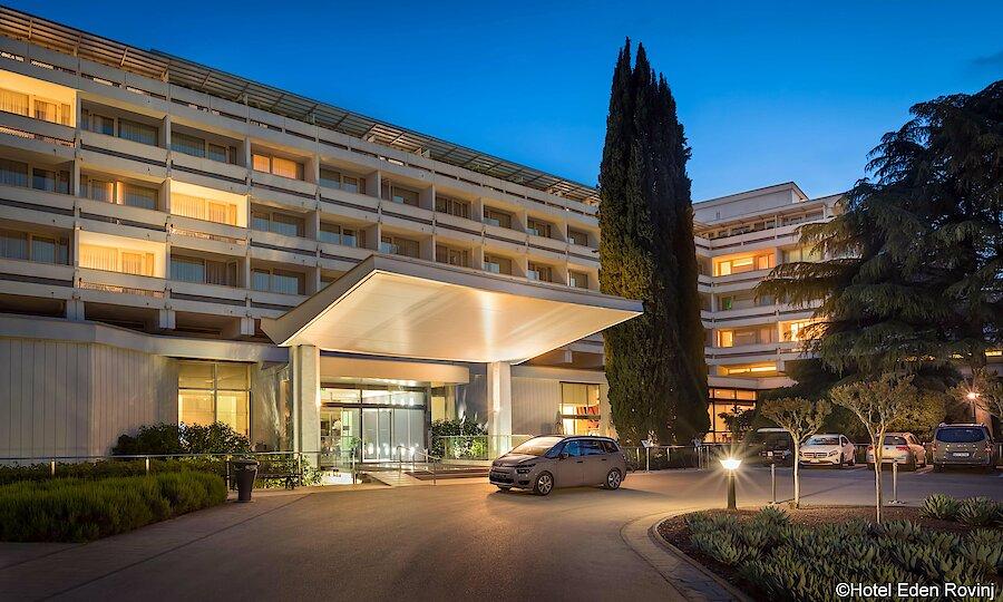 Urlaubsreise Kroatien – Hotel Eden Rovinj Außenansicht