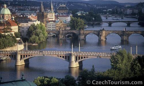 Feiertage in Prag – Prag Moldaubrücken