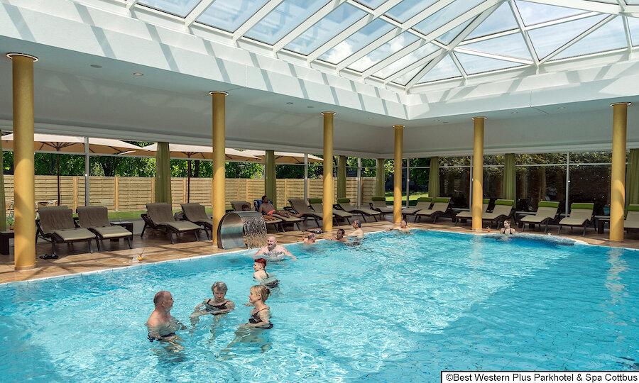 Zwischen Kultur, Natur & Folklore – Best Western Plus Parkhotel & Spa Cottbus Schwimmbad