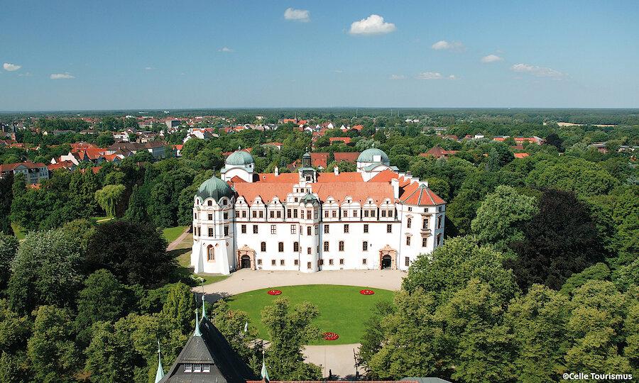 Heidezauber in der Lüneburger Heide – Celle Schloss