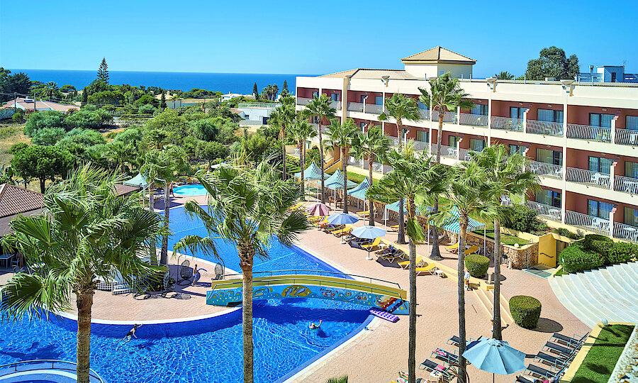 Flugreise - Portugal-Rundreise – Hotel Baia Grande Außenanlage