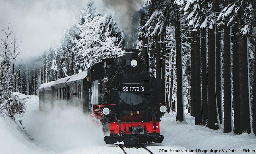 Winter im Erzgebirge – Erzgebirge Schmalspurbahn im Schnee
