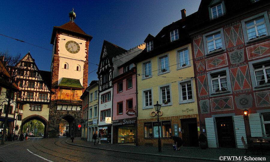 Schwarzwald & badischer Wein – Freiburg Schwabentor