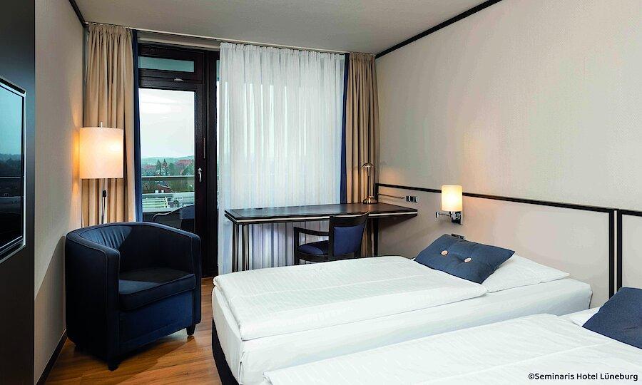 Heidezauber in der Lüneburger Heide – Hotel Seminaris Lüneburg Zimmer