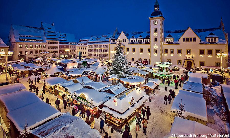 Winter im Erzgebirge – Erzgebirge Weihnachtsmarkt Freiberg