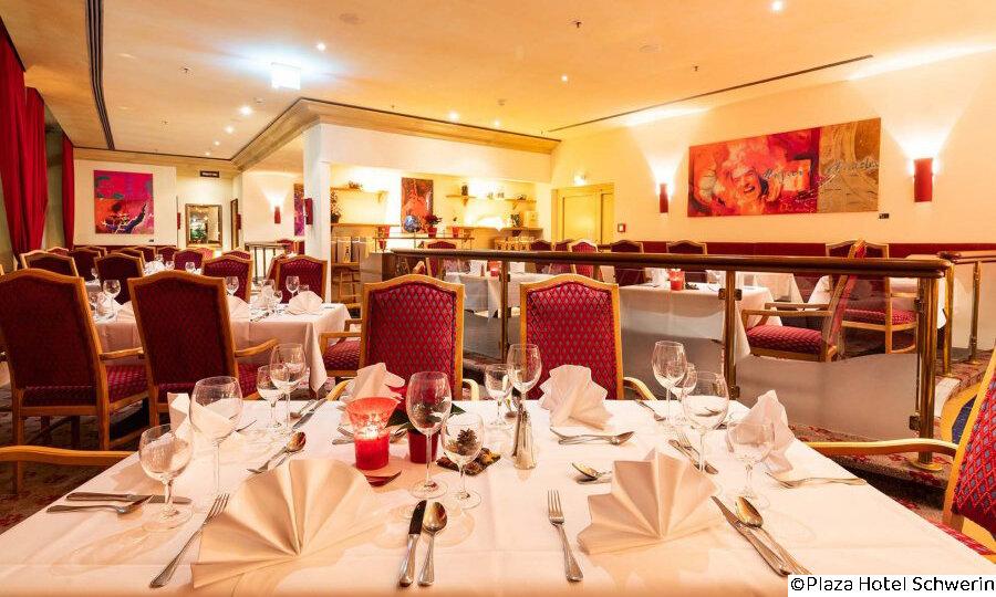 Schwerin & das Land der tausend Seen – Plaza Hotel Schwerin Restaurant