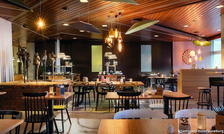 Heidezauber in der Lüneburger Heide – Hotel Seminaris Lüneburg Restaurant