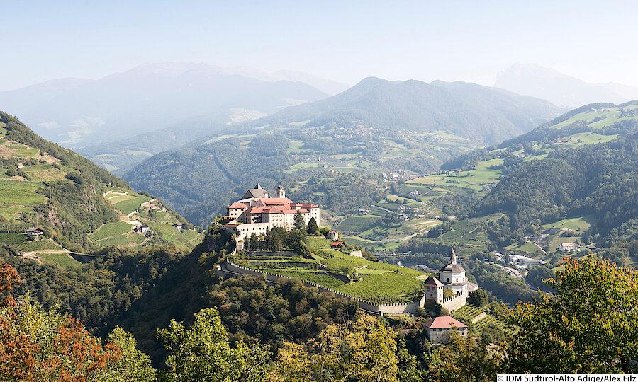 Land der Kirchen, Klöster & Burgen – Südtirol Kloster Säben