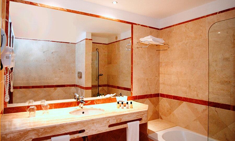 Flugreise - Andalusien-Rundreise – Badezimmer