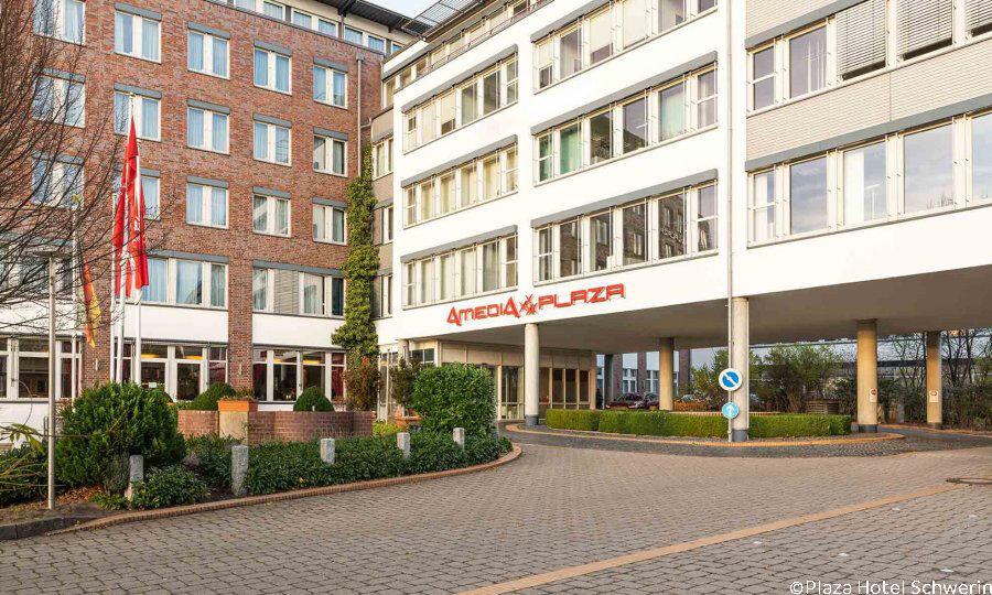 Schwerin & das Land der tausend Seen – Plaza Hotel Schwerin Außenansicht