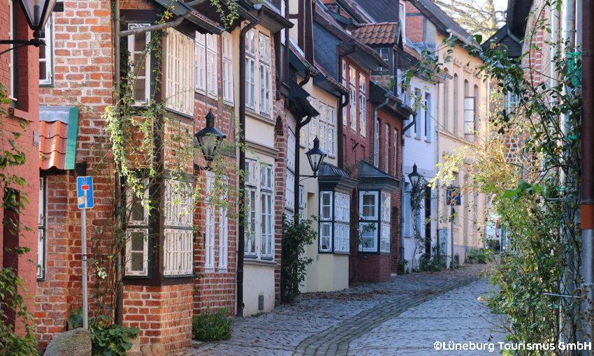 Heidezauber in der Lüneburger Heide – Lüneburg Gasse