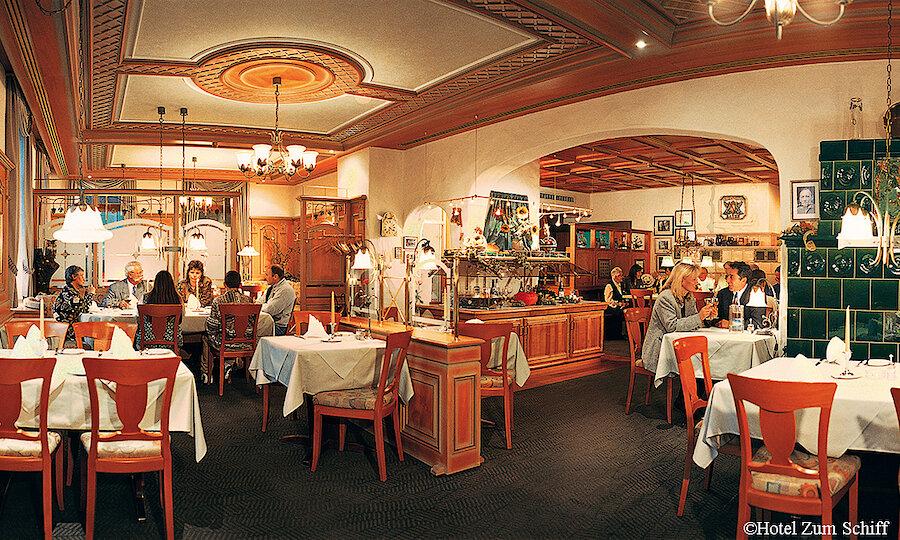 Schwarzwald & badischer Wein – Freiburg HZS Restaurant