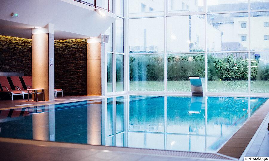 Strasbourg & die Weinstraße – 7 Hotel & Spa Illkirch Pool